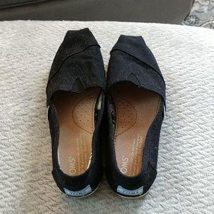 Tom's Black Women's 5 light wear